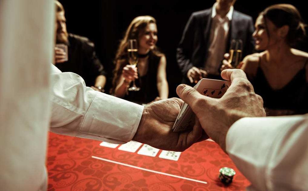 """博雅收入少了一半,棋牌厂商""""求生欲""""再强,也抵挡不住这个百亿级市场凉凉"""
